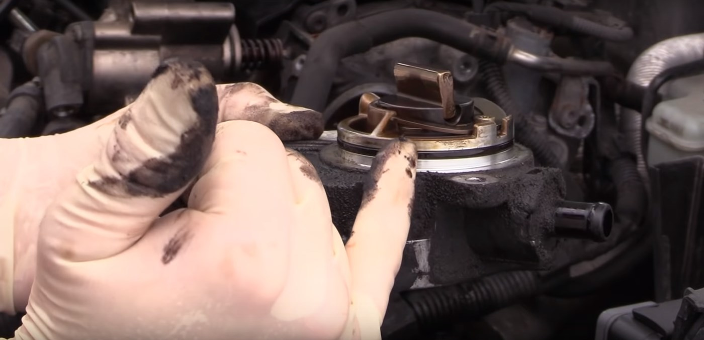 Brake-Vacuum-Pump-Old-Seal