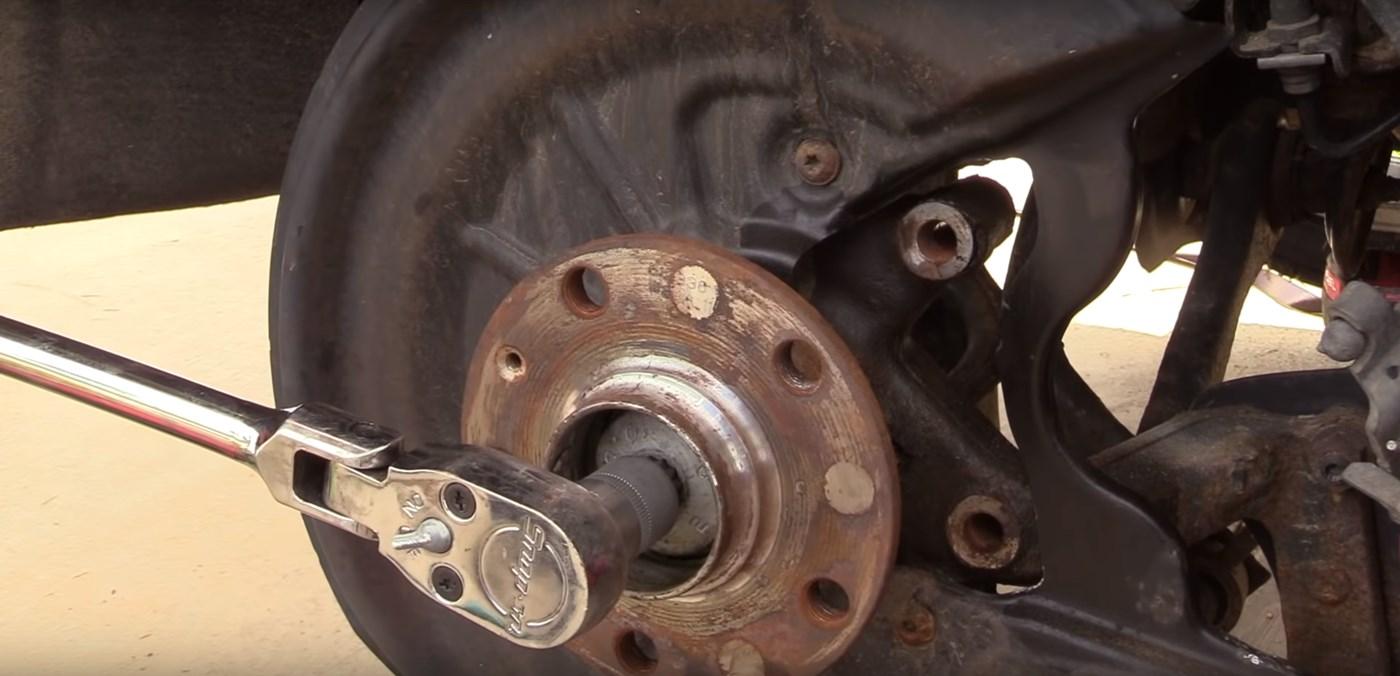 Wheel Hub Bolt Removal