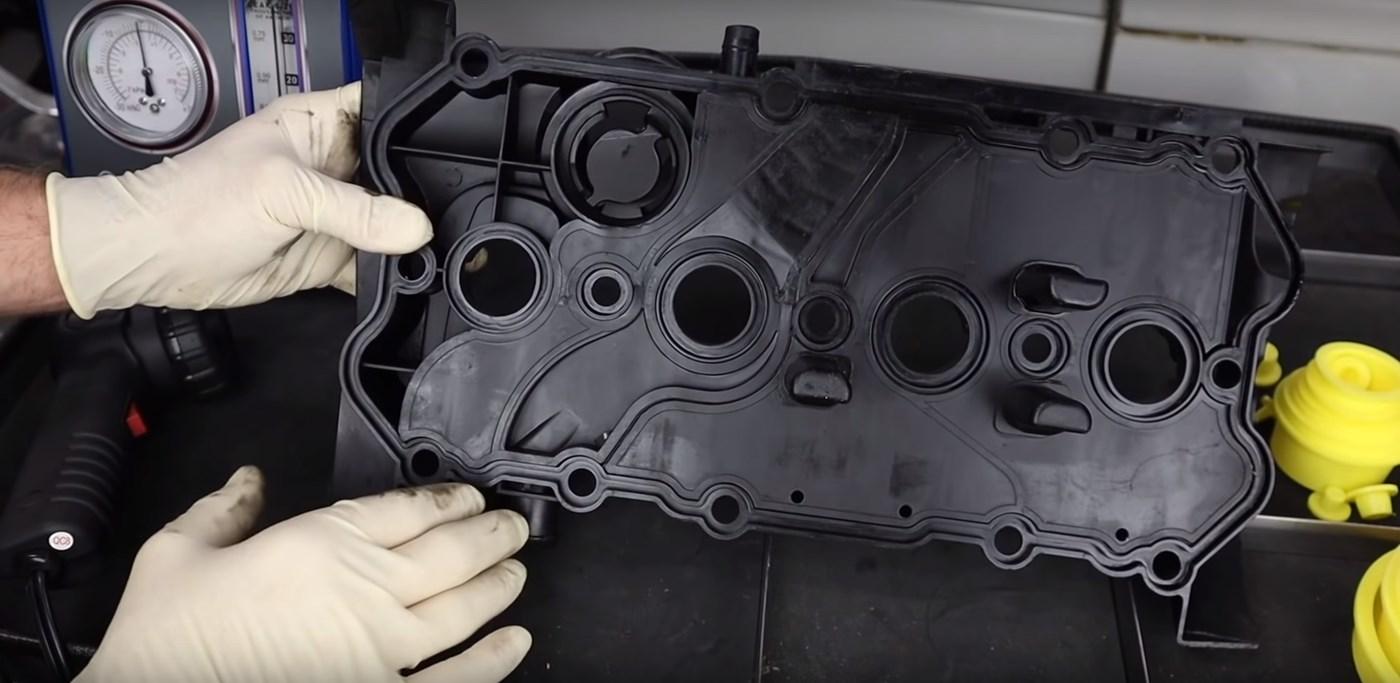 VW-FSI-Valve-Cover-Underside