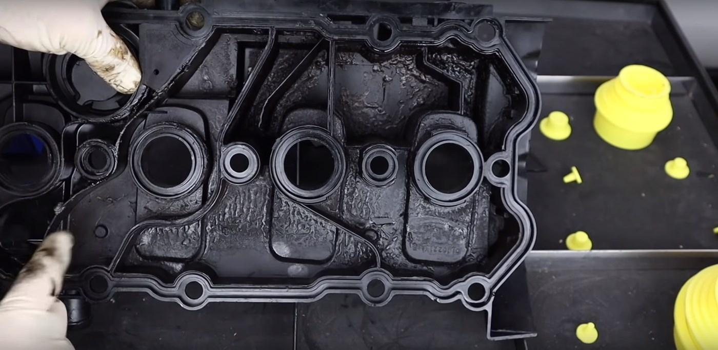 VW-TSI-Valve-Cover-Inside
