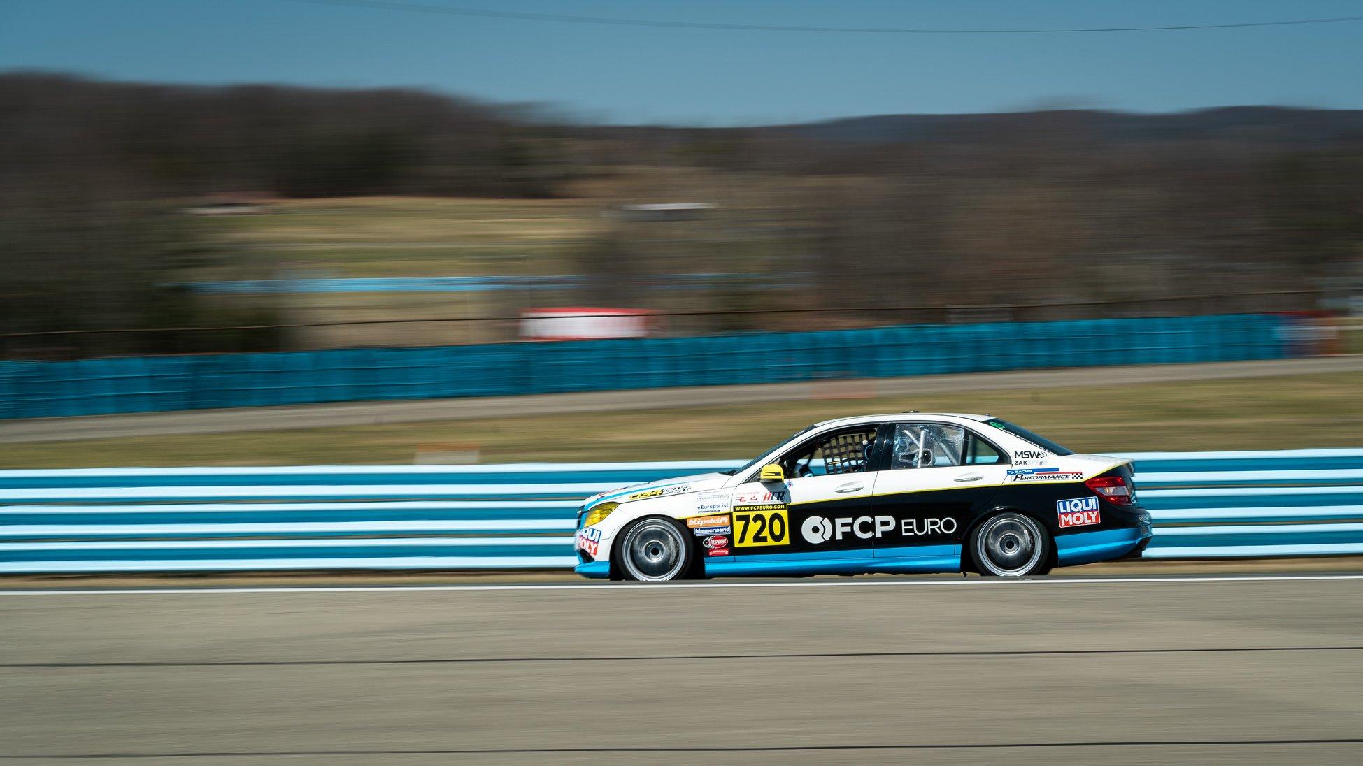 Mercedes-Benz-C300-Race-Car-2