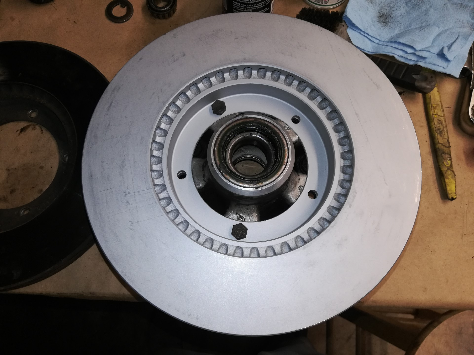 Air-cooled Porsche 911 front rotor replacement
