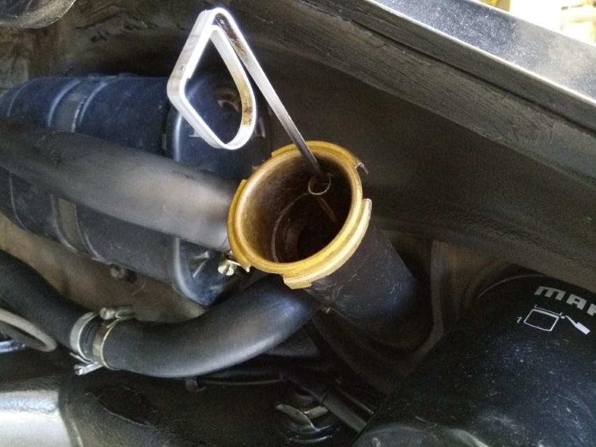 Air-cooled Porsche 911 oil dipstick inside oil tank filler