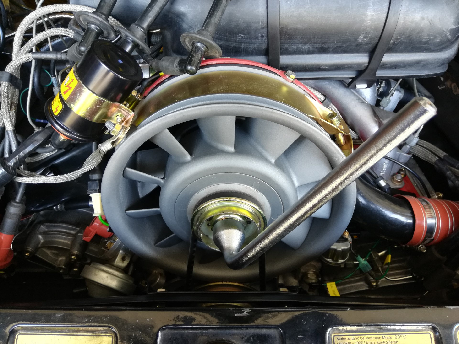 Air-cooled Porsche 911 fan pulley wrench