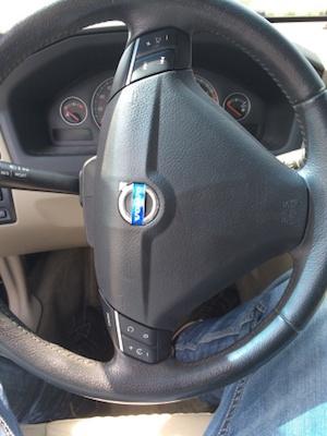 volvo-steering-wheel