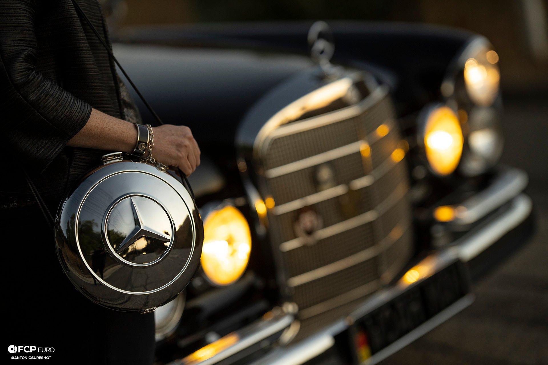Mercedes Benz 220S Heckflosse Fintail W111 Belinda Benzo EOSR1940