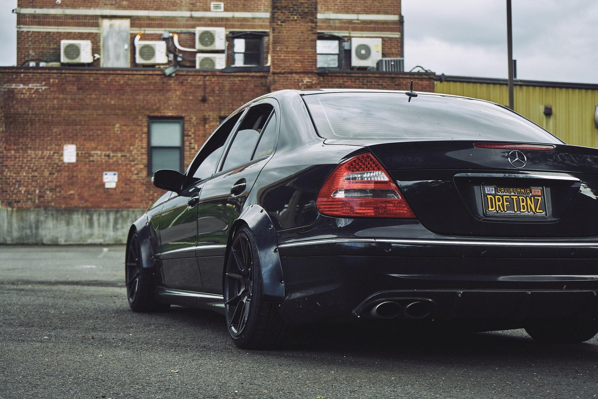 Mercedes-E55-AMG-Dapper-Drift