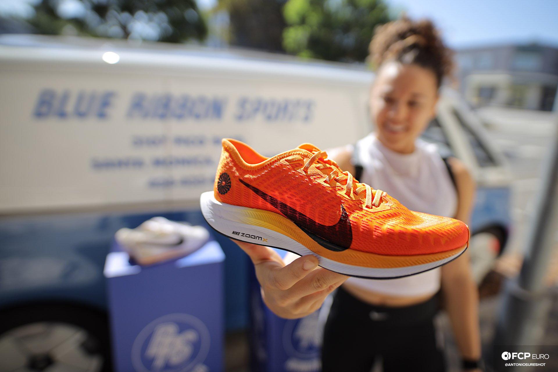 Nike Blue Ribbon Sports Santa Monica Phil Knight EOSR9123