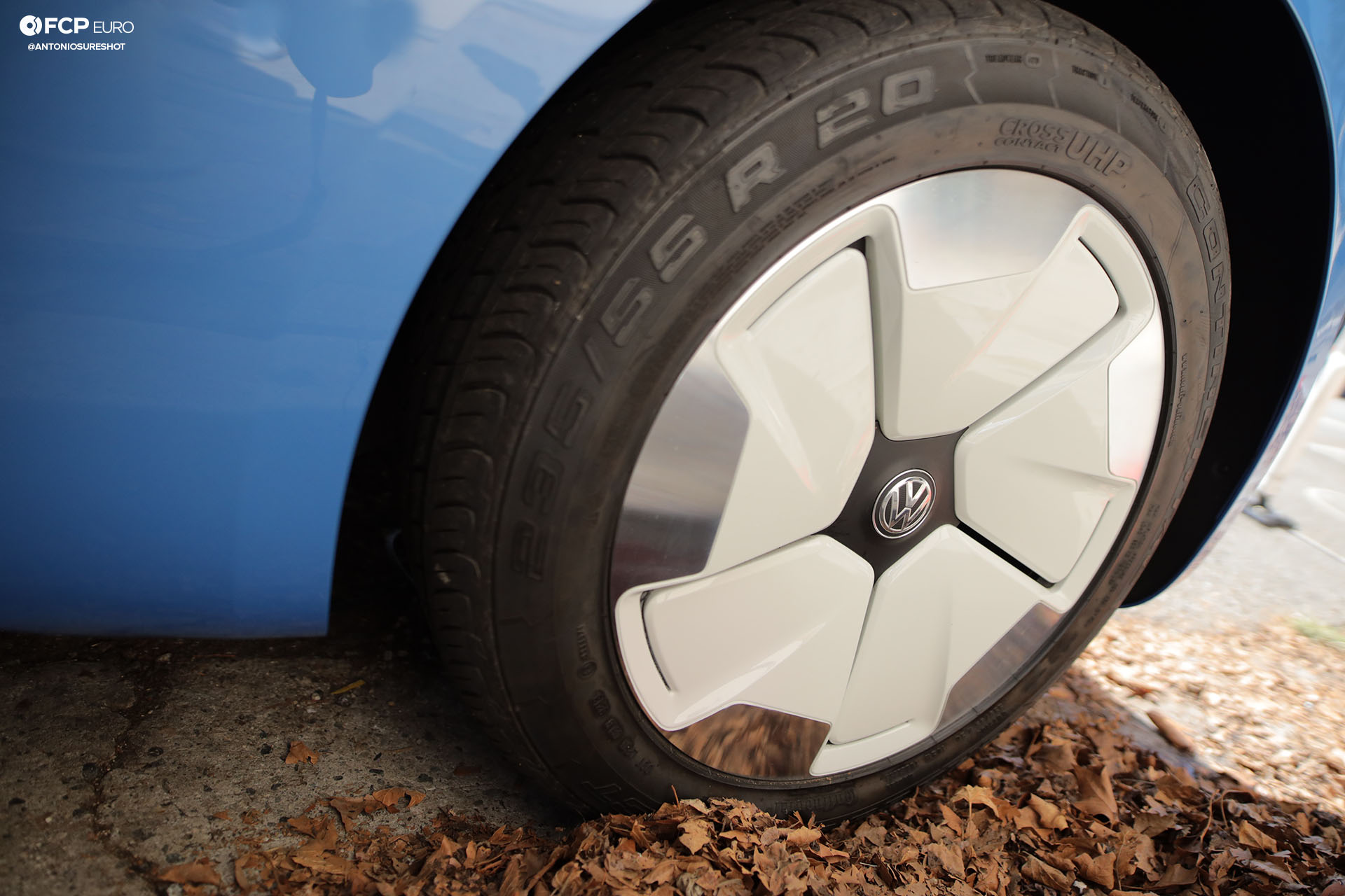 VW ID Buzz Cargo Nike Blue Ribbon Sports EOSR9165