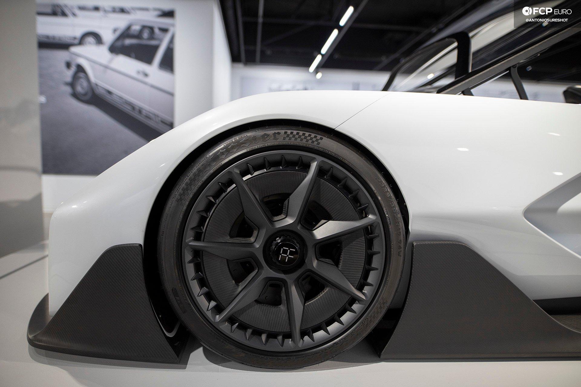 Volkswagen VW ID Vizzion Electric Future Petersen Museum Radical Racer