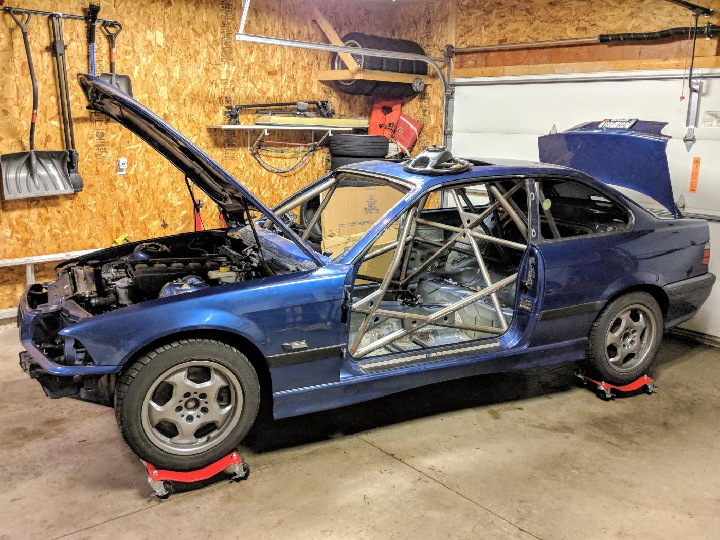 bmw-e36-caged-rally-car