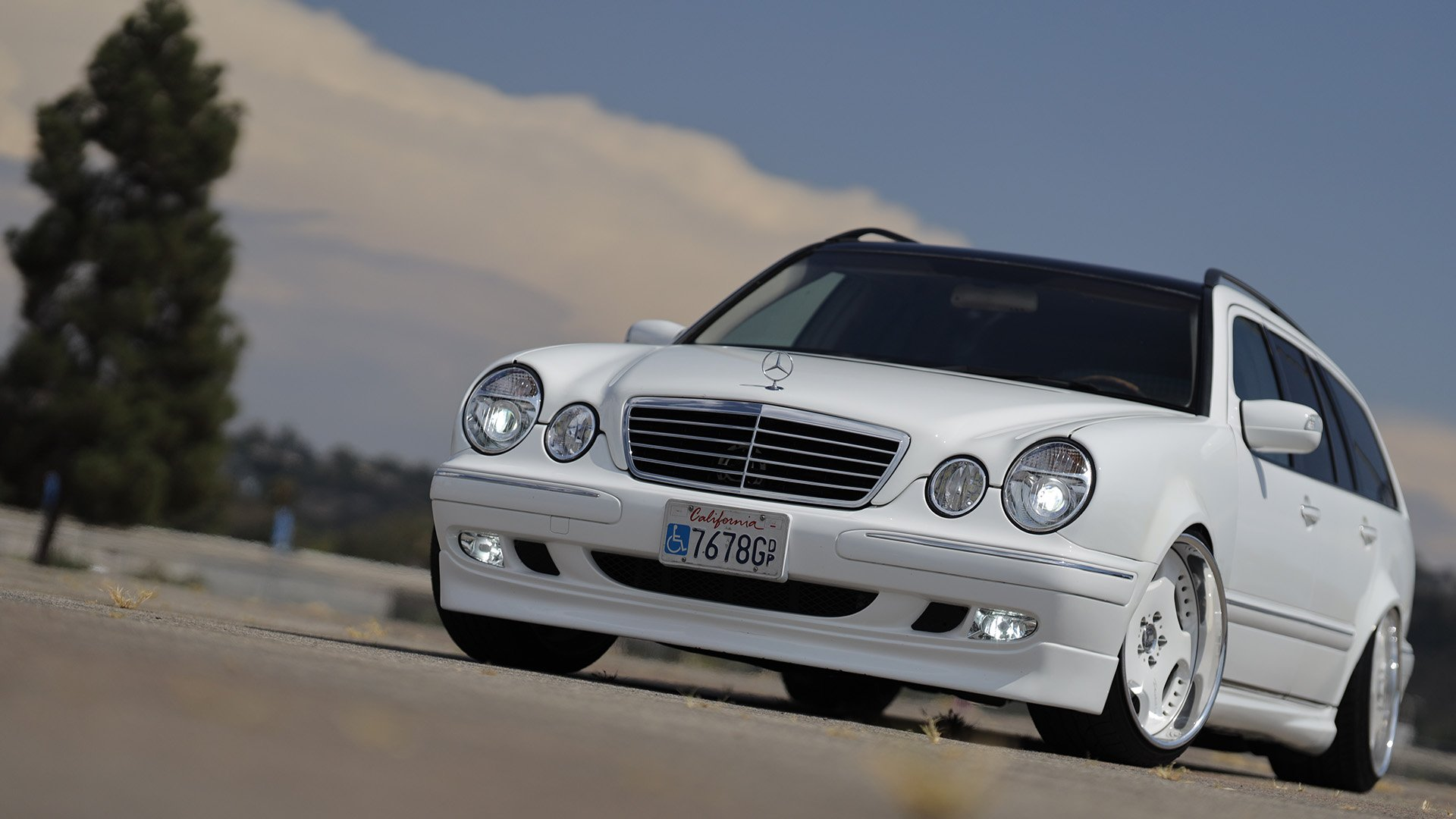 Overcoming All Obstacles: E55 AMG Engine-Swapped Mercedes-Benz E320 Estate