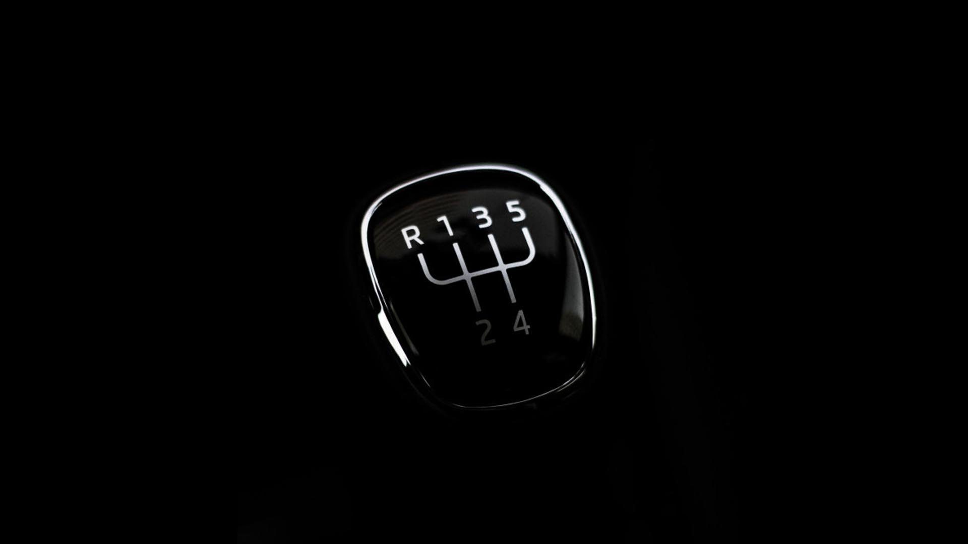 seven-manual-cars-header-1