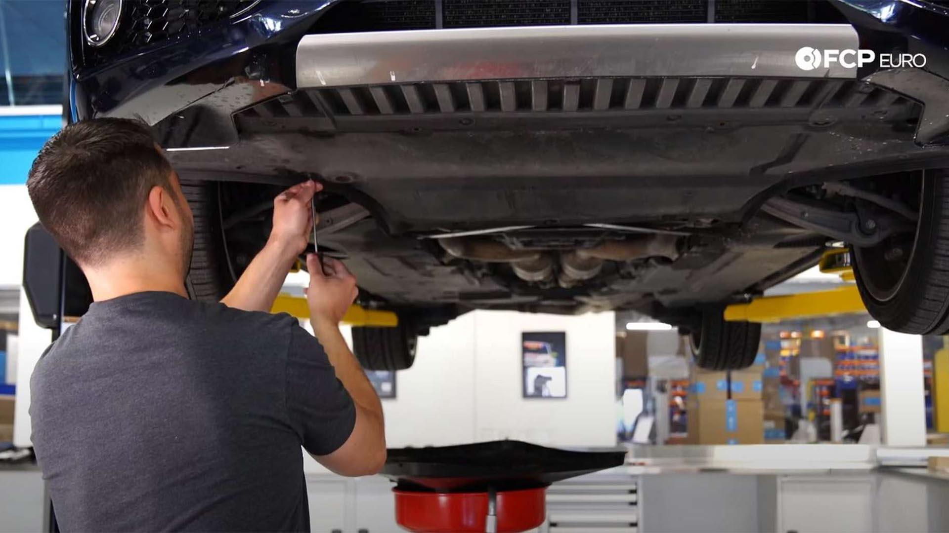 How To Change The Oil In An Audi S5 (Audi B8/B8.5 4.2 L V8)
