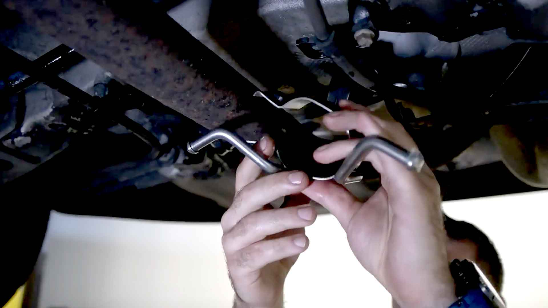 How To Replace The Exhaust Bracket On A Volvo S60