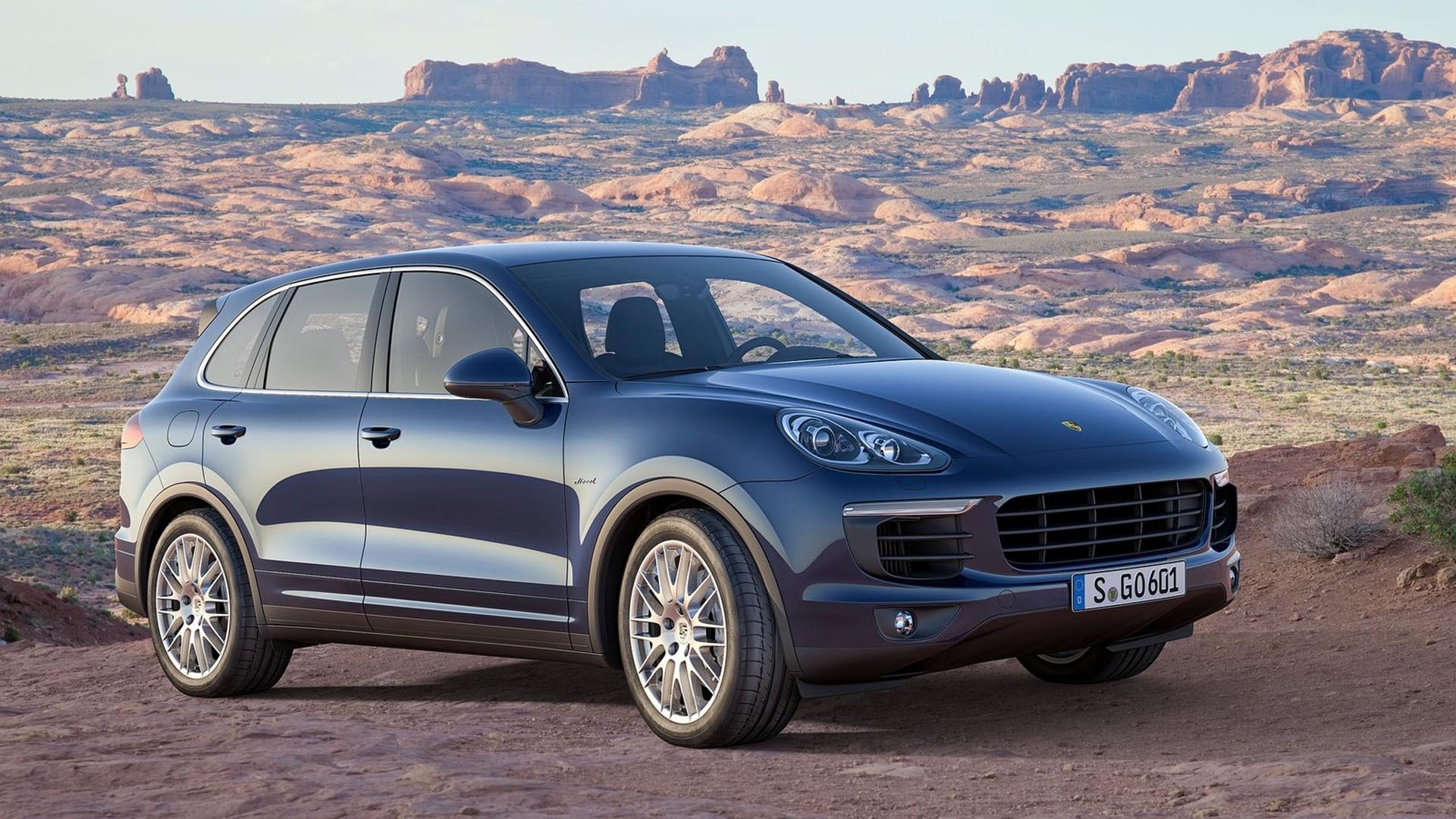 Porsche Cayenne Oil: Oil Type, Cost To Change, & How To Reset